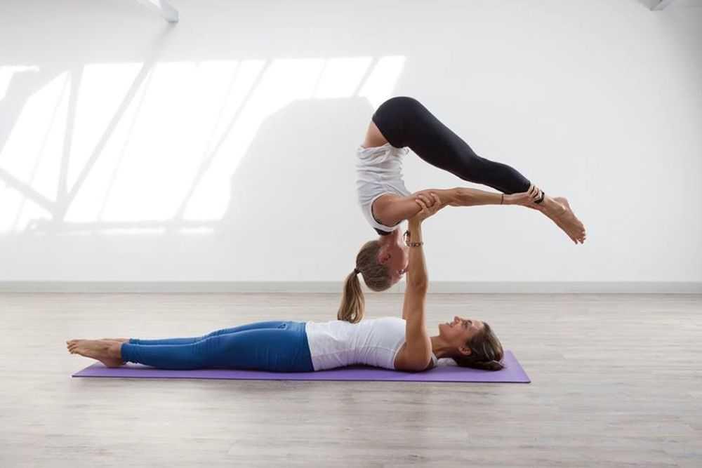 ACRO/PARTNER yoga praksa -  Acro Jim