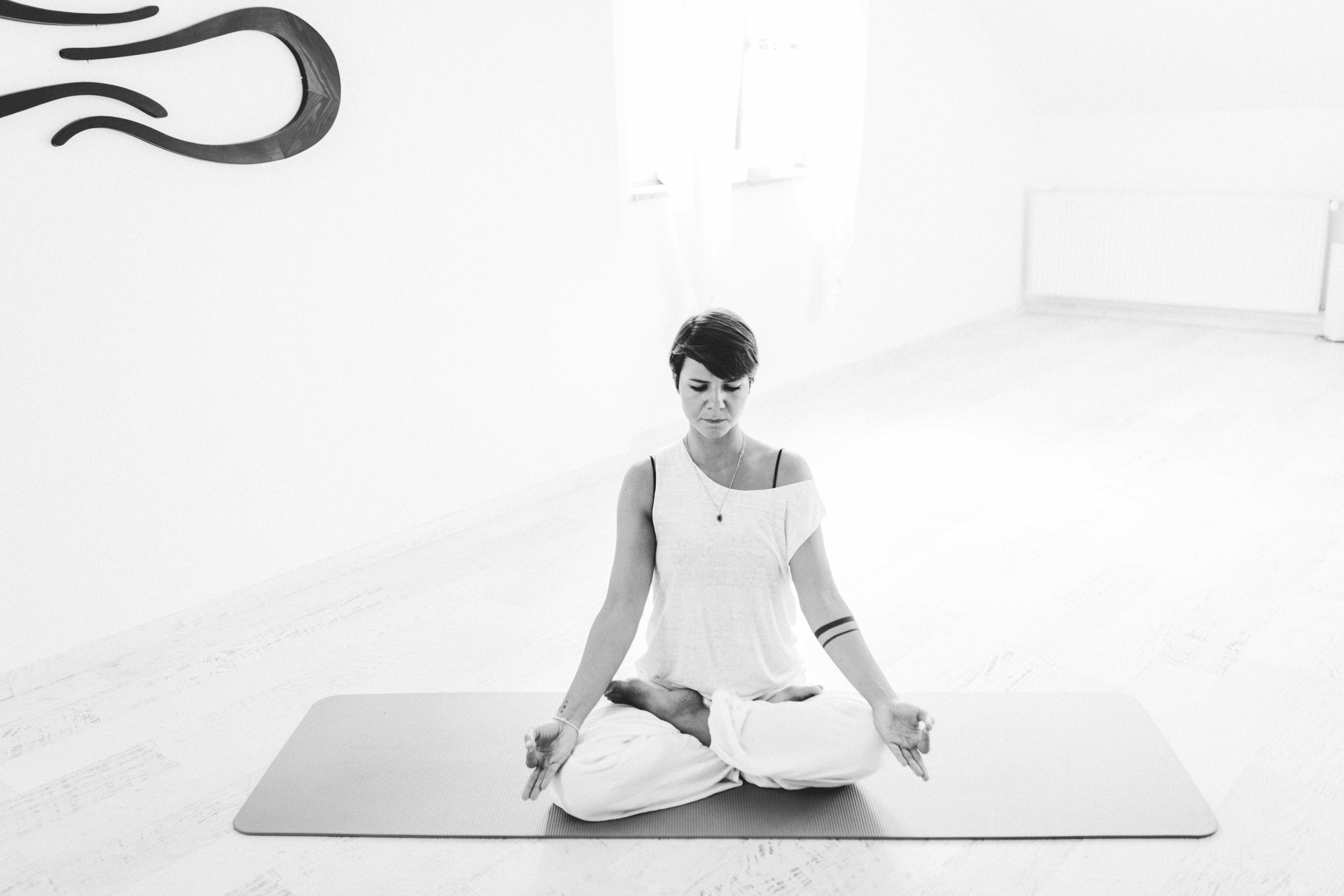 Meditative Ashtanga vinyasa masterclass
