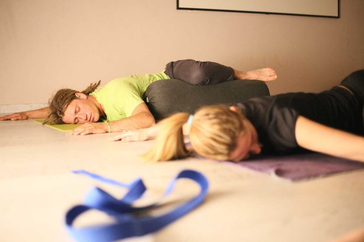 Mindful ying yoga