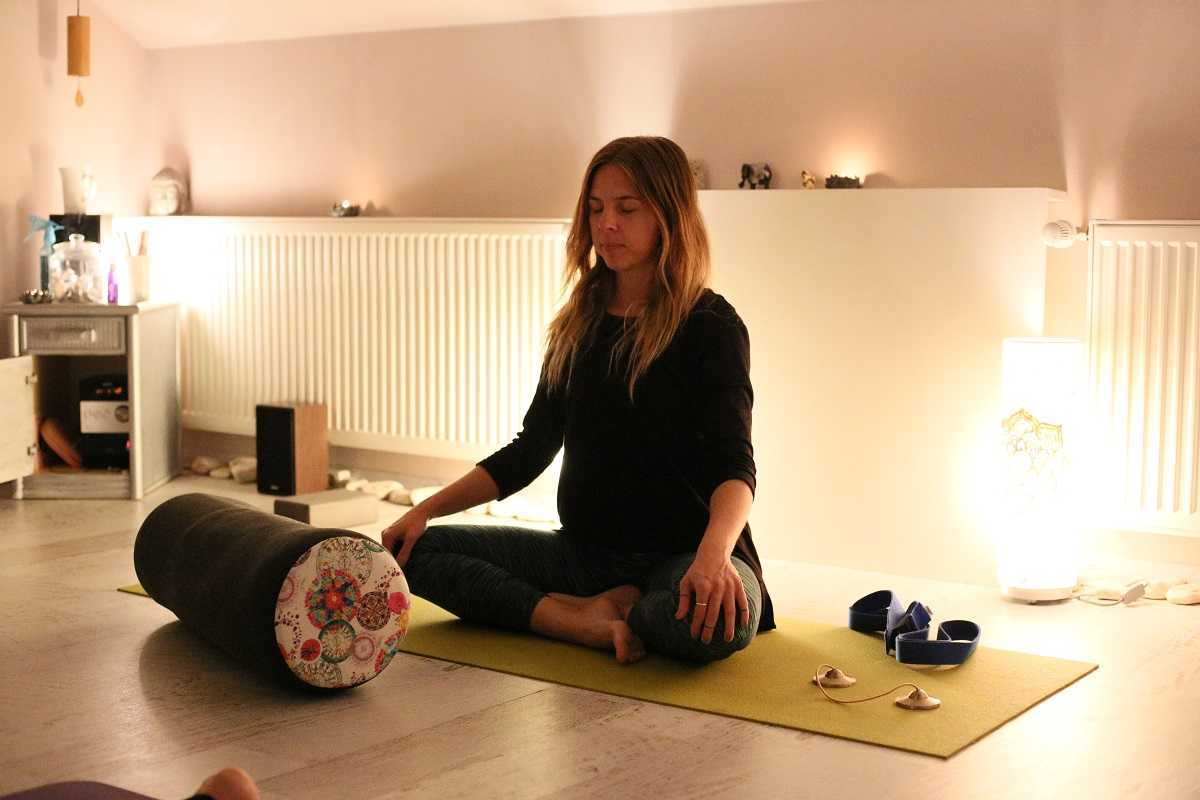Mindful yin yoga